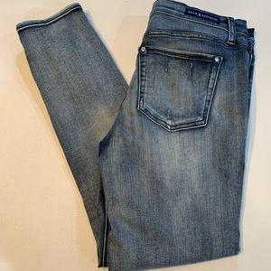 Rock & Republic Women's Skinny Jeans!  Like new!!